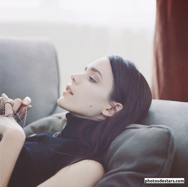 Stacy martin hot